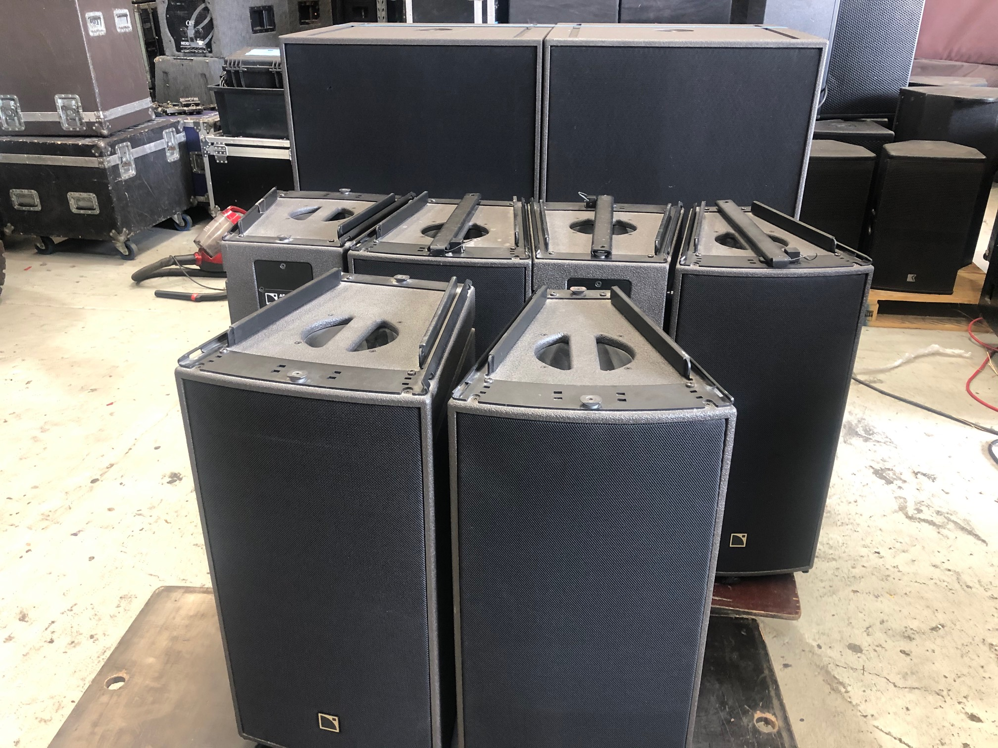 L'Acoustics ARCS WIDE / FOCUS system