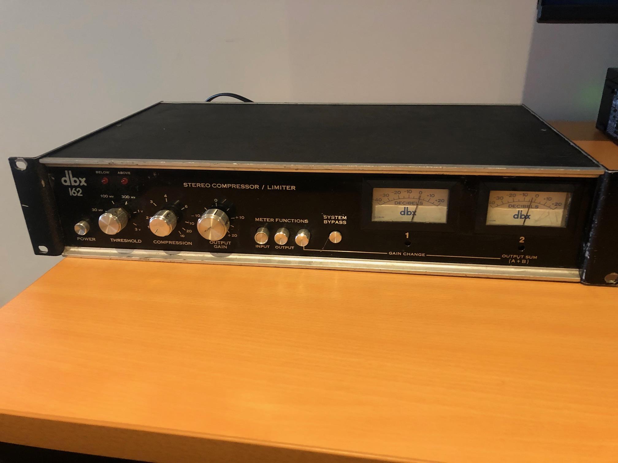 DBX 162 Classic Stereo Compressor