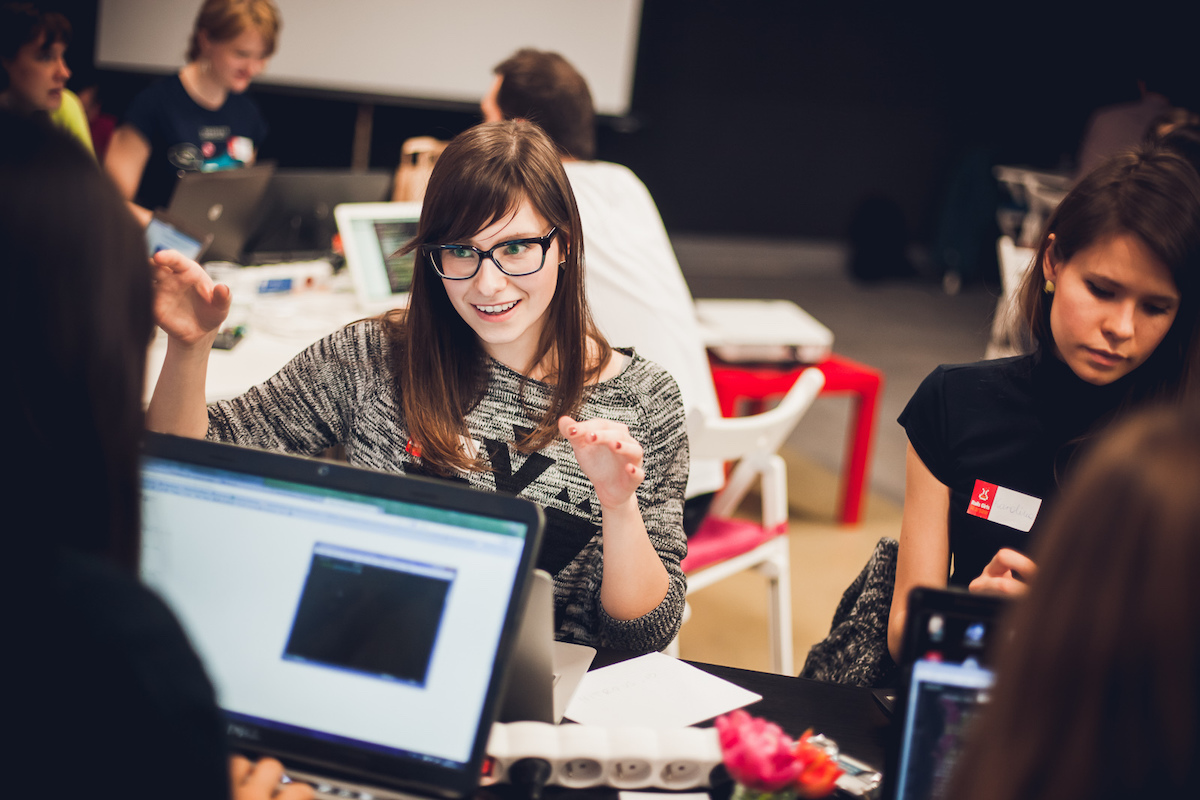 """Programming is not scary or difficult"": Fieldly developers coach Rails Girls"