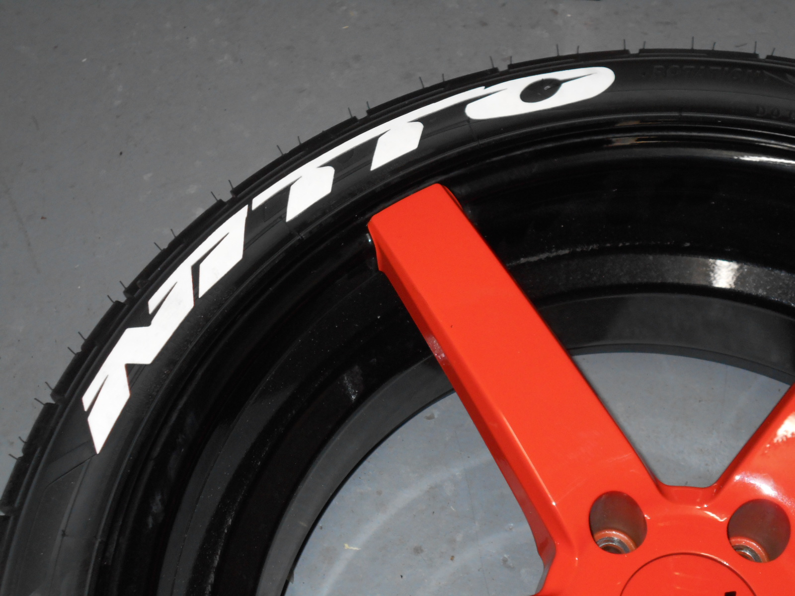 Treadwear tire graphics