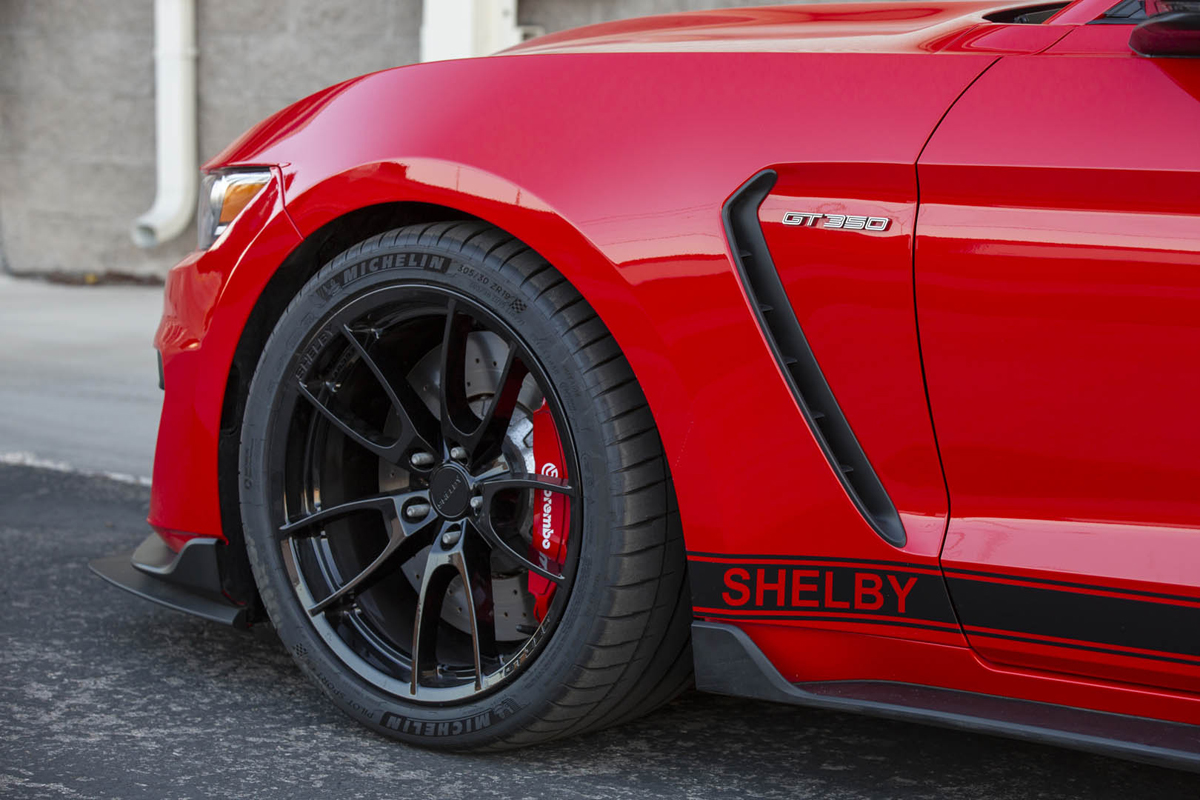 2020 Mustang Shelby GT350 fender detail