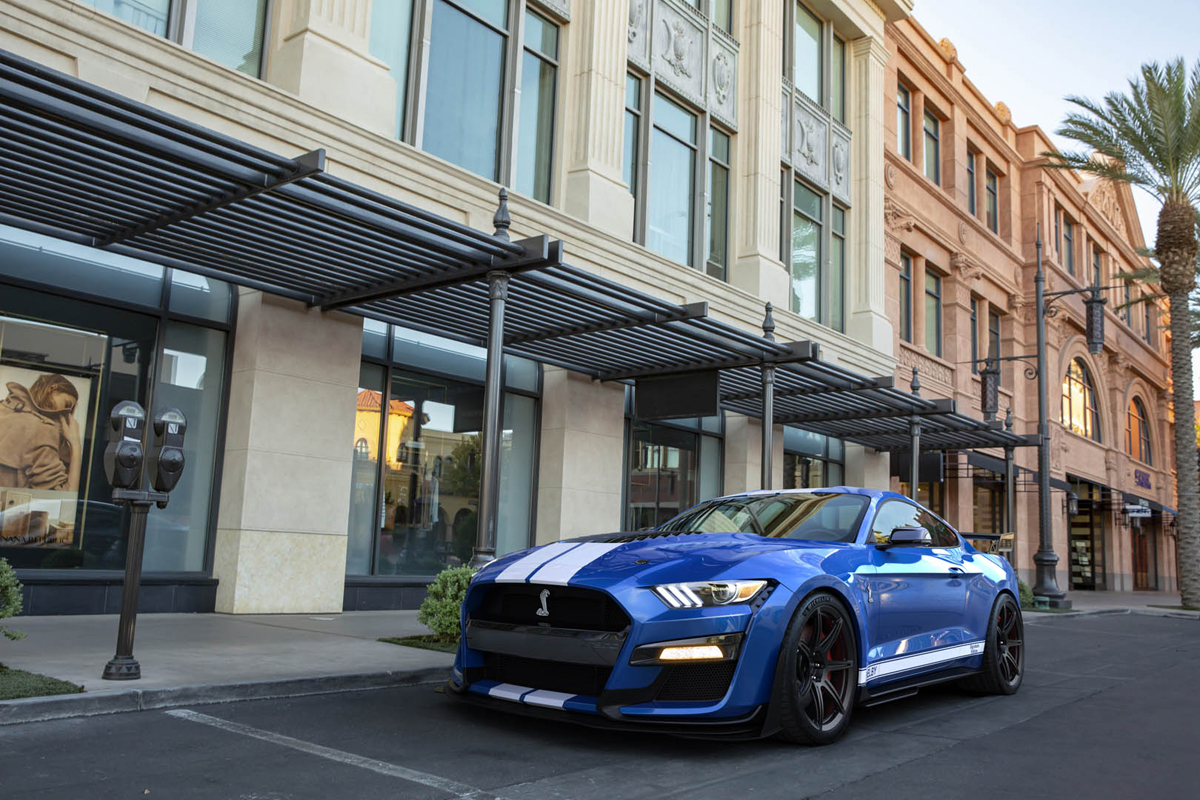 2020 Mustang Shelby GT500 front 3/4
