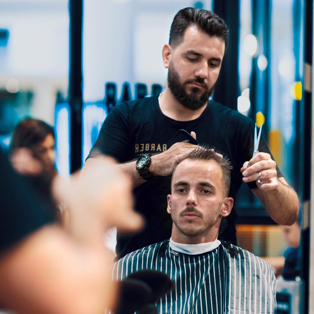 Haircut for receding hairline