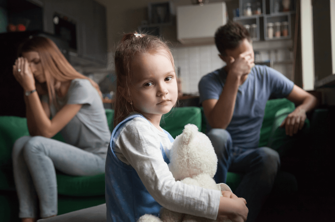 child with fighting parents