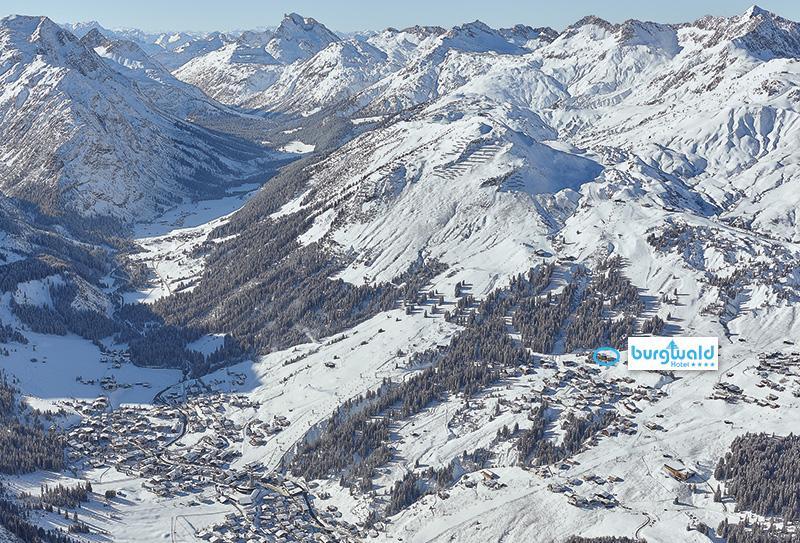 Wunderbare Lage des Hotel Burgwald in Oberlech