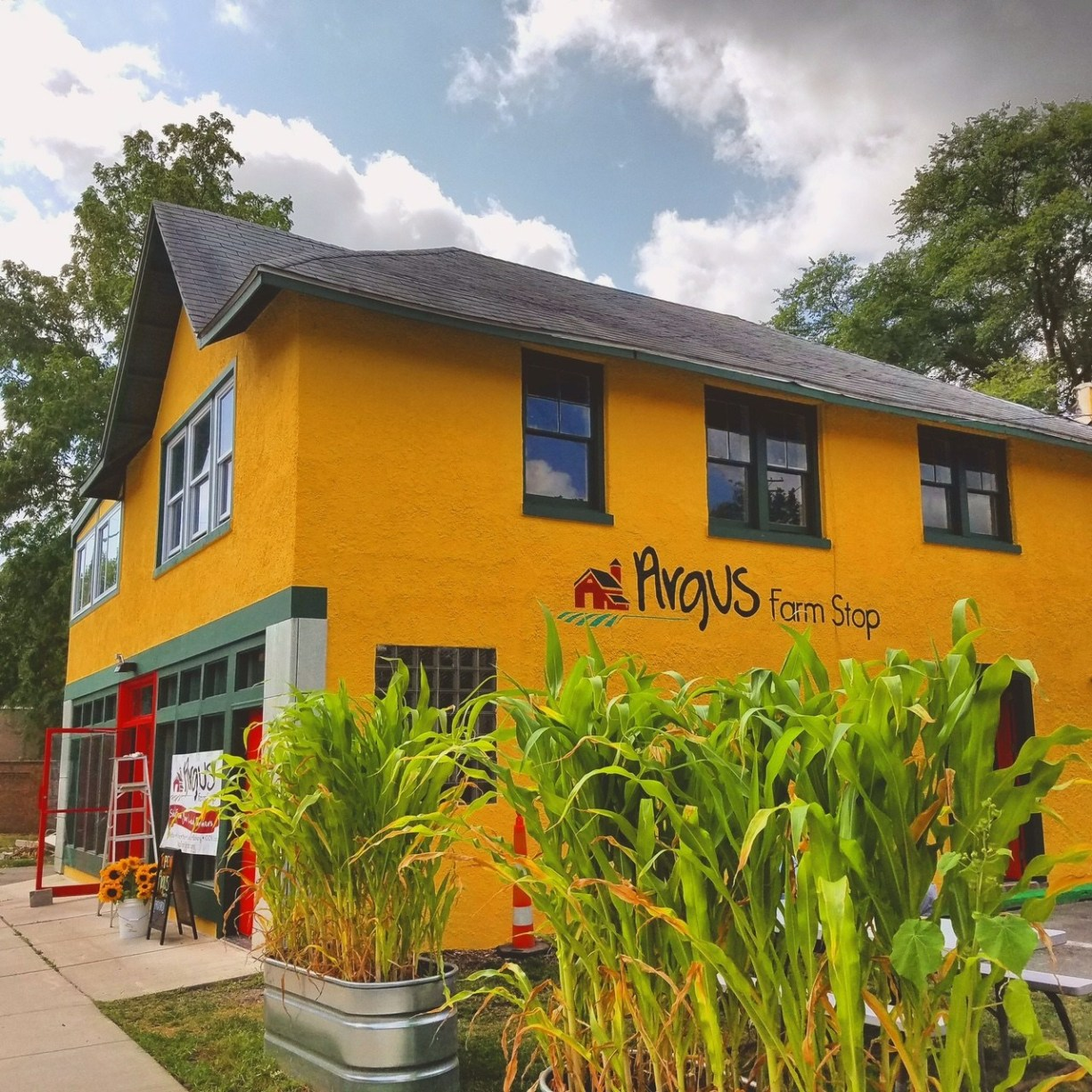 How Argus Farm Stop uses a retail store, food hub, and Local Line to provide the ultimate sales channel for Michigan farmers.