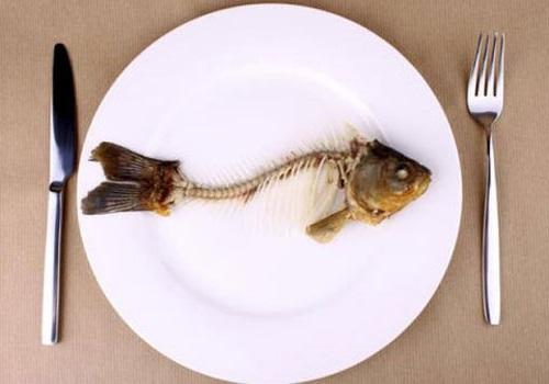 Chữa hóc xương cá nhỏ ở cổ họng