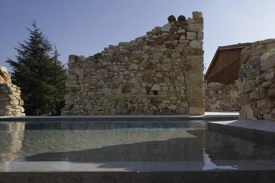 Carl Fredrik Svenstedt, sa pierre à l'édifice : Piscine