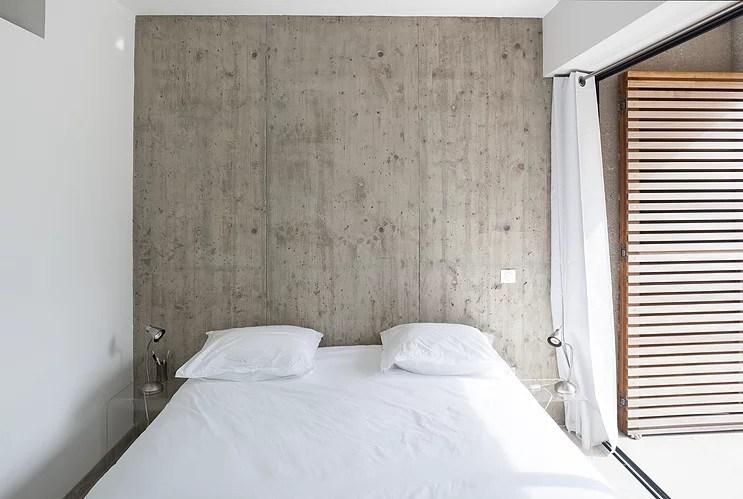 villa_corse_maison_contemporaine_architecte_buzzospinelli_chambre_béton