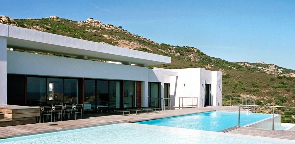 villa_phi_hervé_Ghirlanda_maison_contemporaine_maison_d_architecte_architecture_corse_exterieur