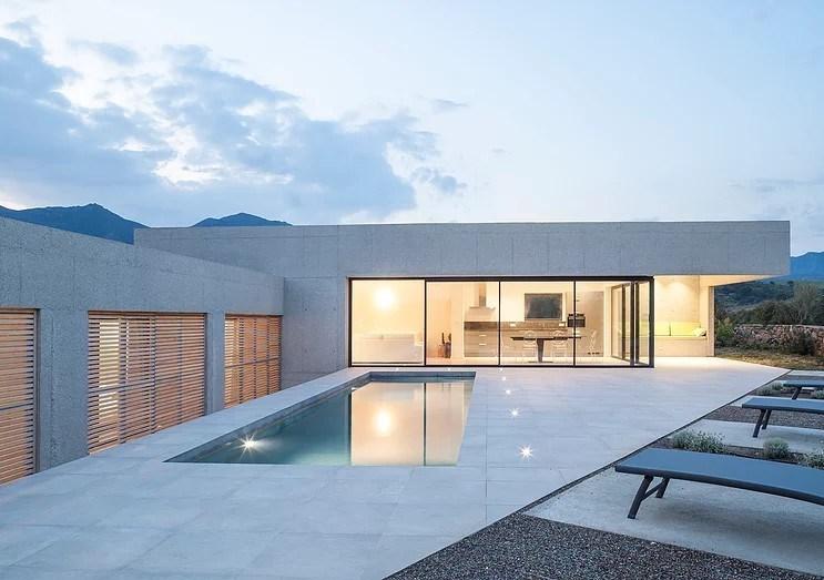 villa_corse_maison_contemporaine_architecte_buzzospinelli_chambre_béton_