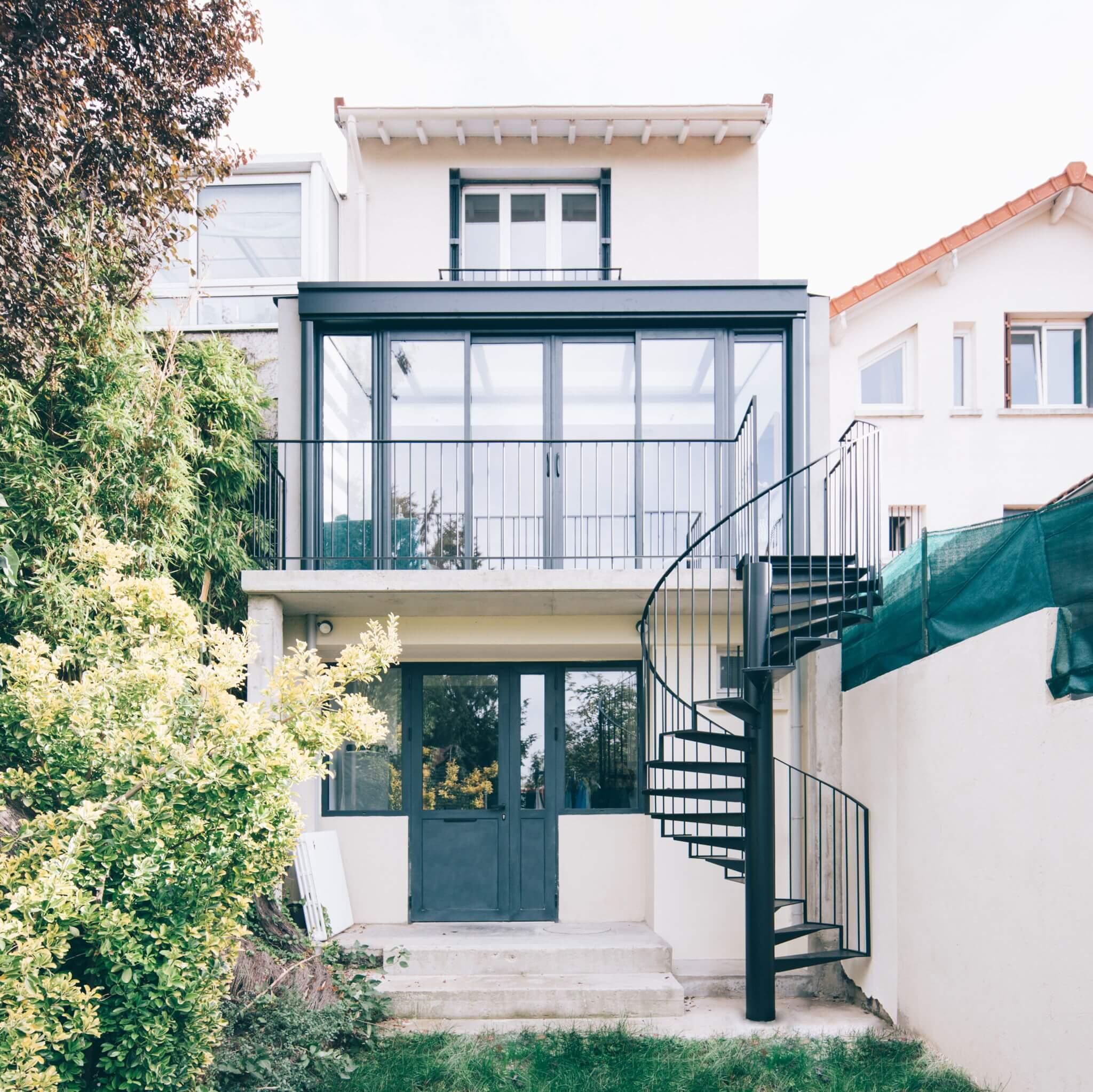 escalier colimaçon hélicoïdal maison extérieur