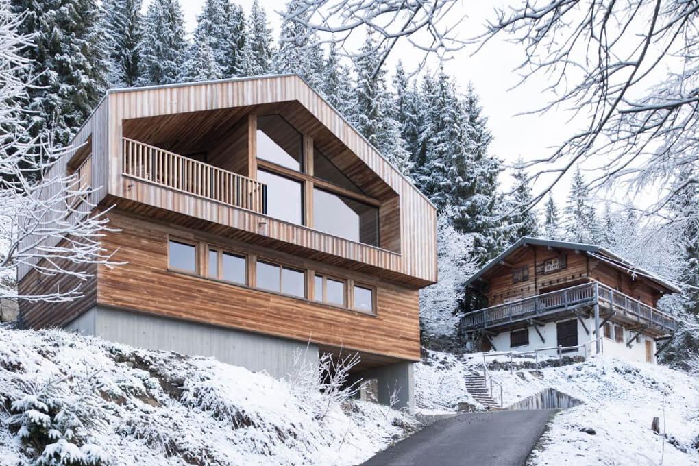 maison-chalet-bois-neige-sapin