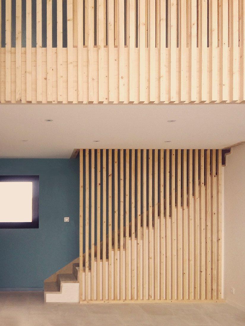 escalier-panneau-bois