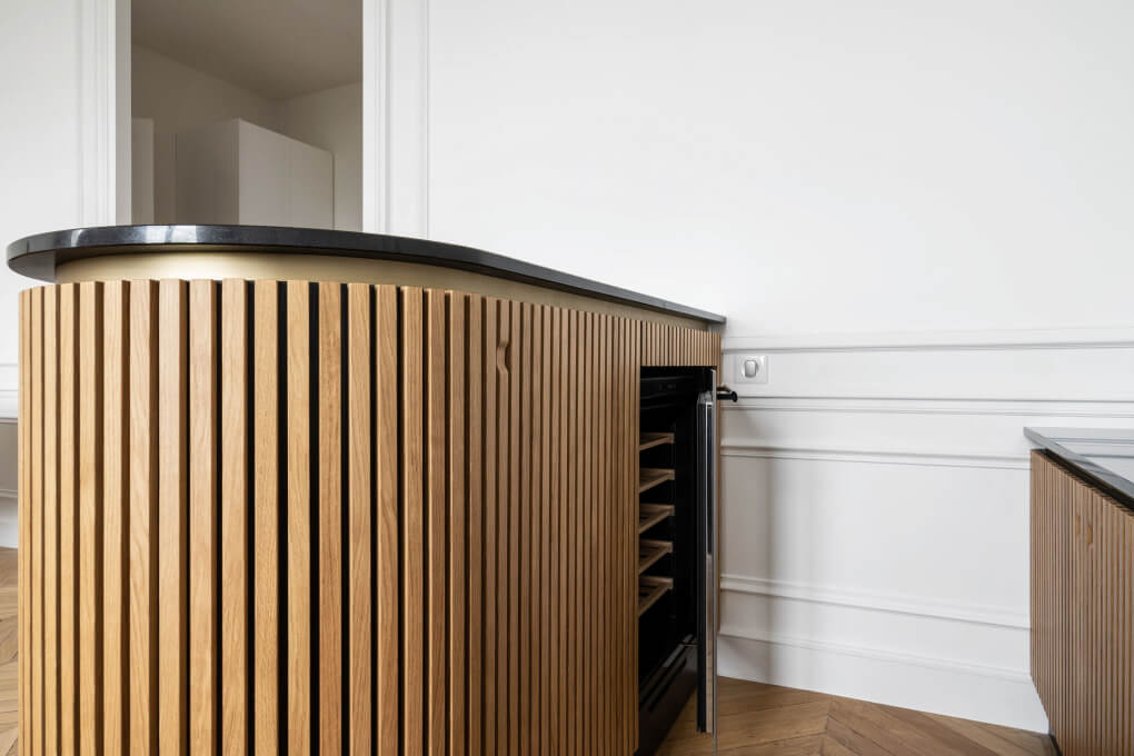 Un appartement haussmanien sublimé par du mobilier sur-mesure