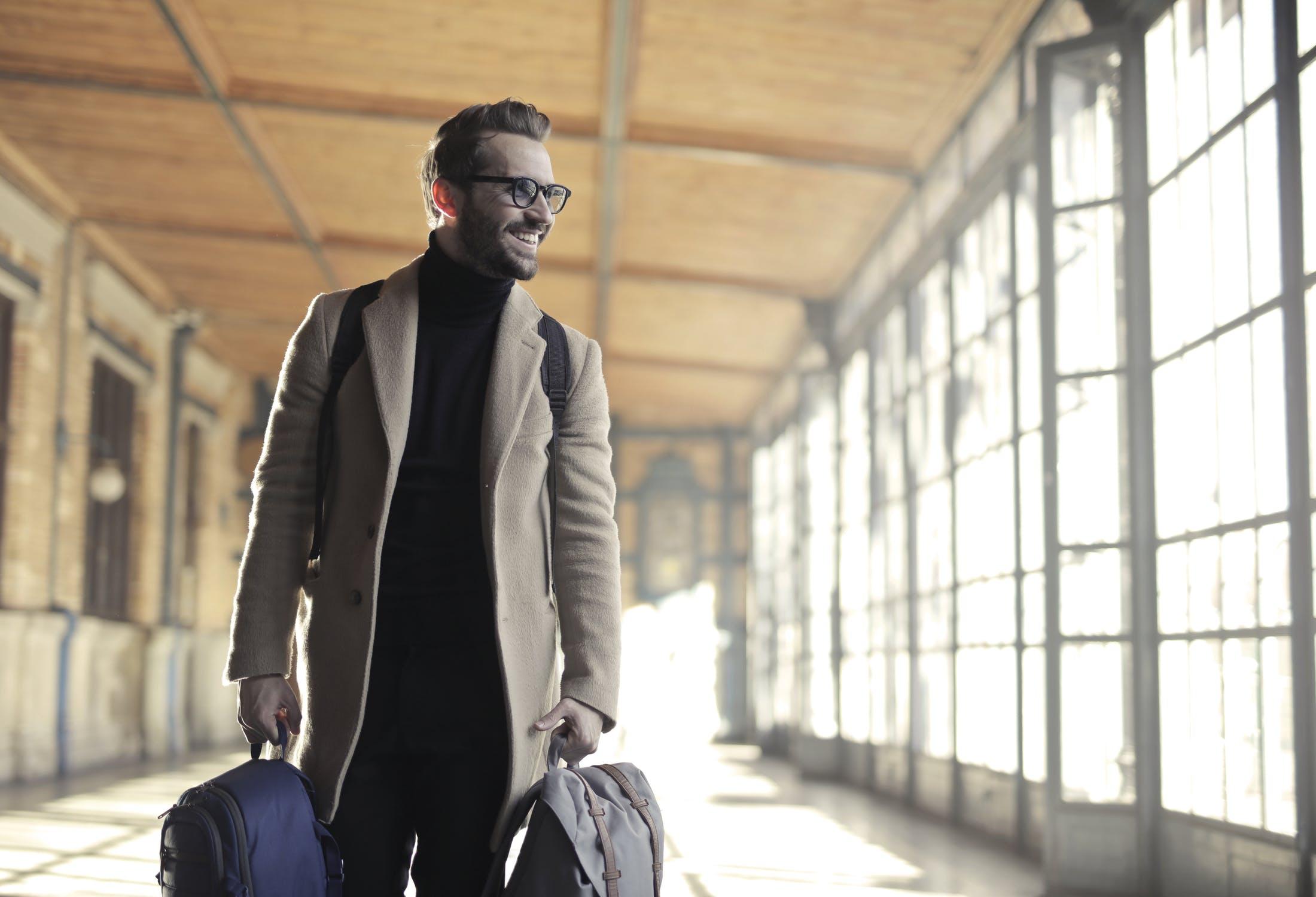 Voyages d'affaires : comment s'organisent les PME ? - Okarito