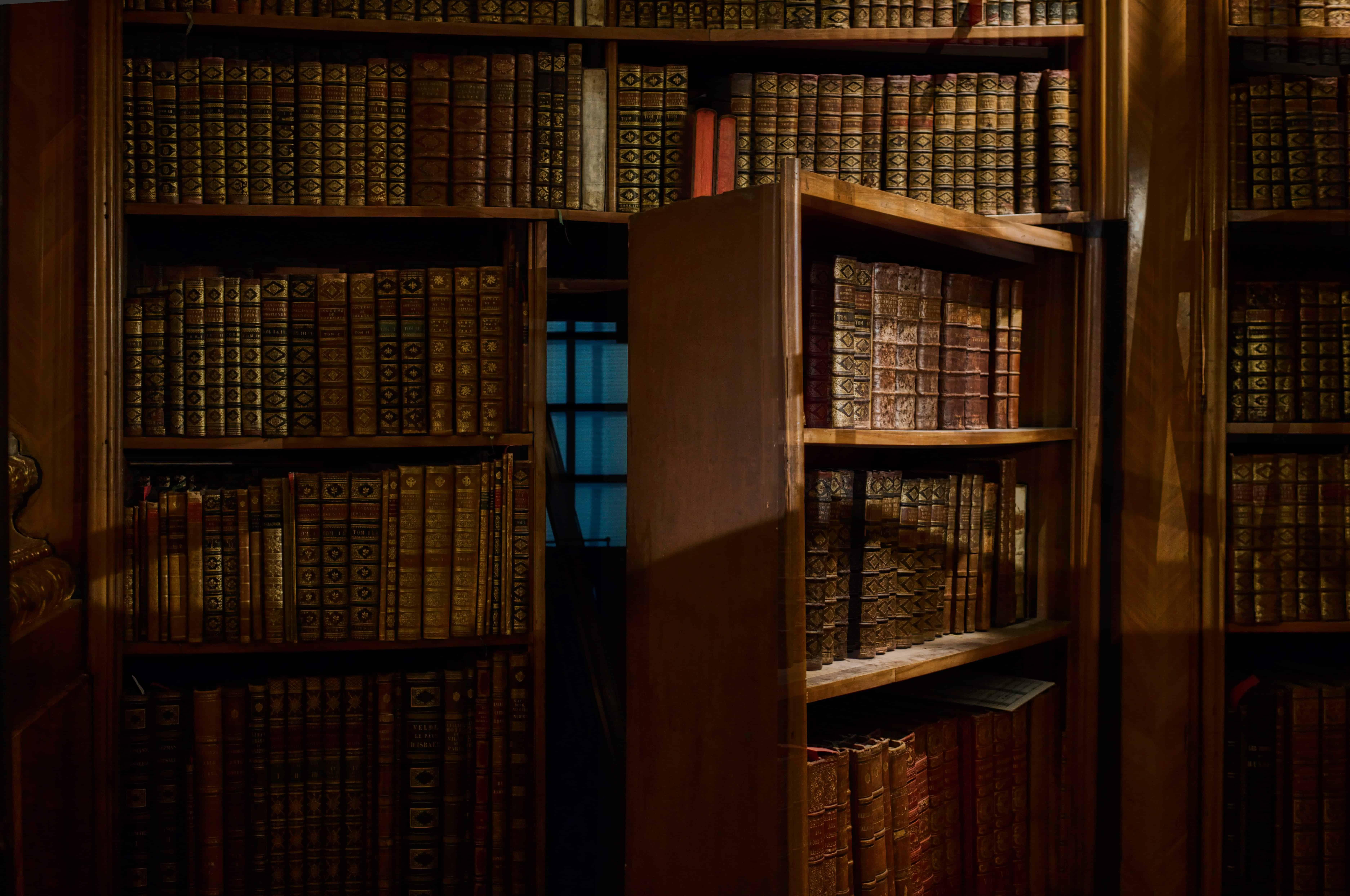 bibliothèque secrète james bond
