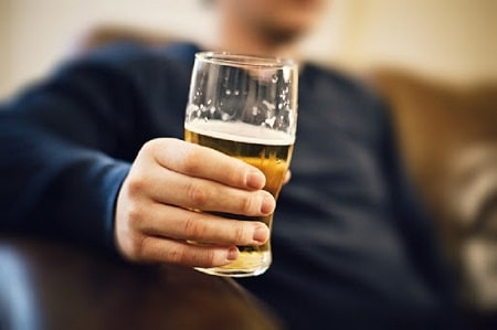 [BÁC SĨ GIẢI ĐÁP] Cắt bao quy đầu kiêng rượu bia bao lâu ?