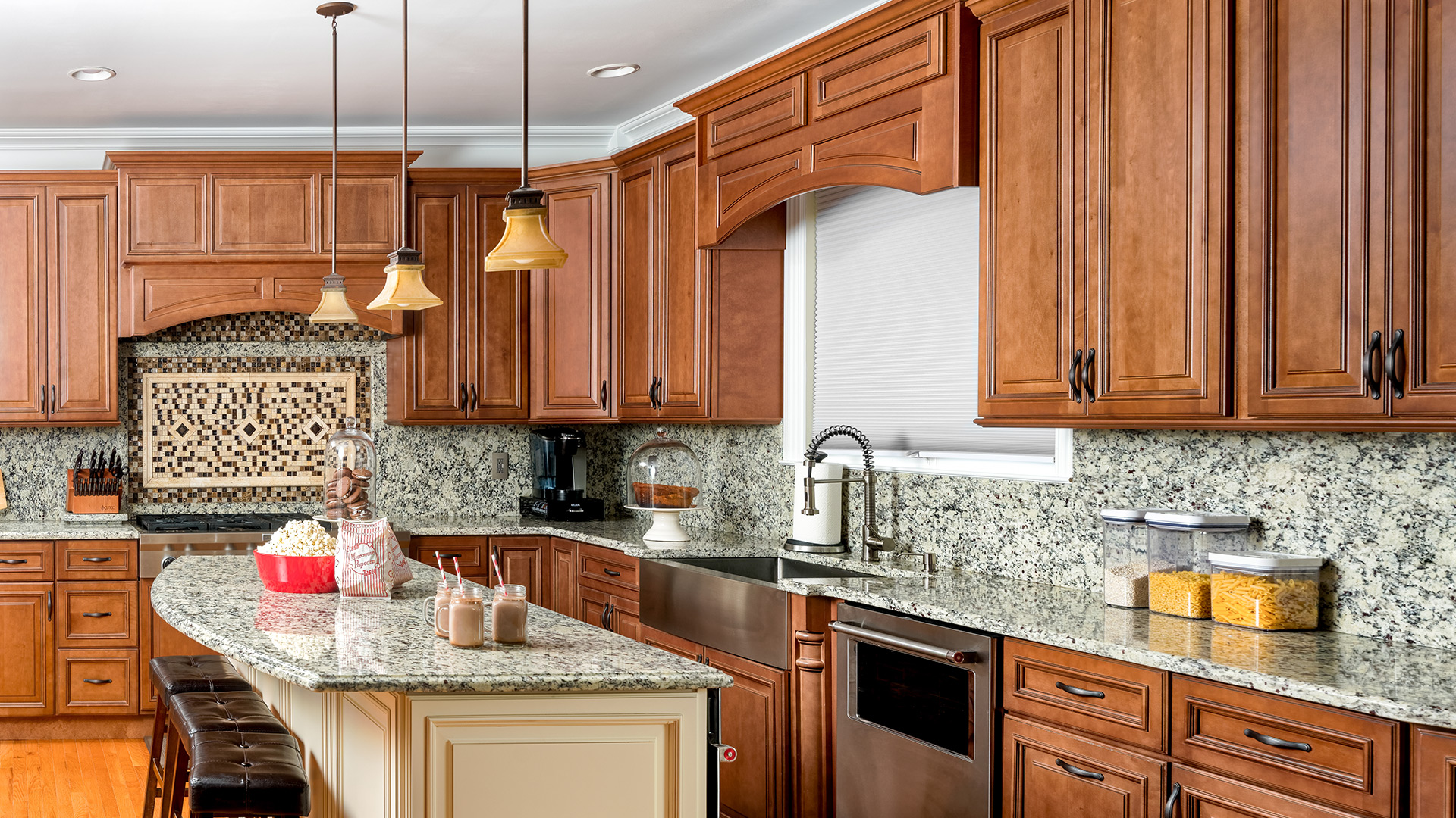 If you're leaning towards a traditional and classy kitchen, the Wellington Cinnamon cabinets are a perfect choice!