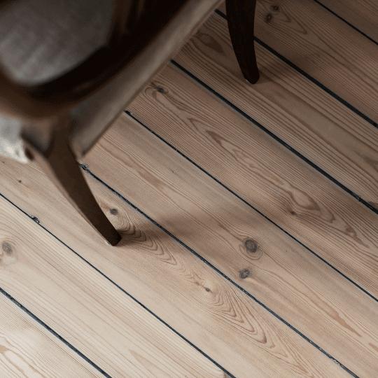 done hjälper dig måla om, slipa golv eller lägga golv inför försäljning