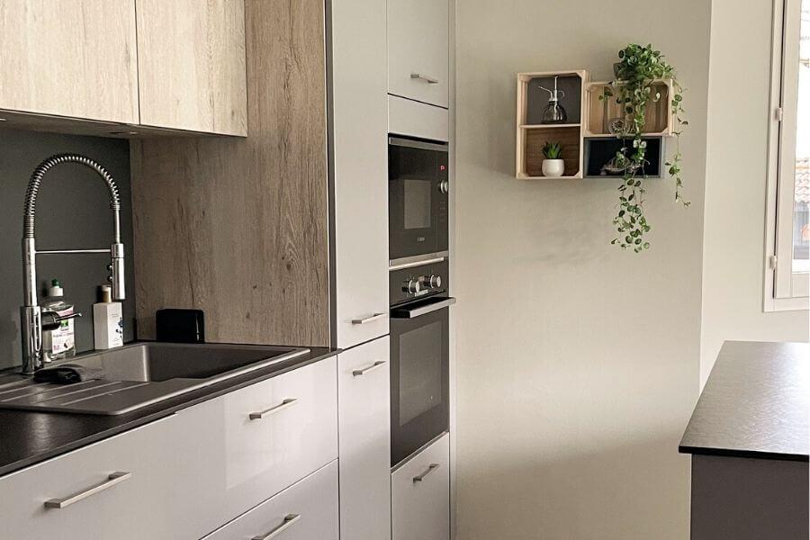 Med ett smart hem system kan du känna dig trygg även när du är iväg.