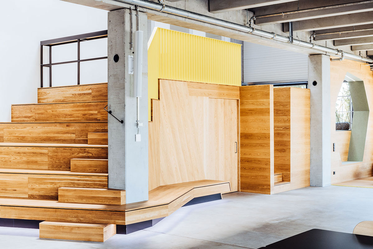 NewOrderDesignStudio_Munich_BMW_Additive_Manufacturing_Campus_storage_atrium_wood_oak