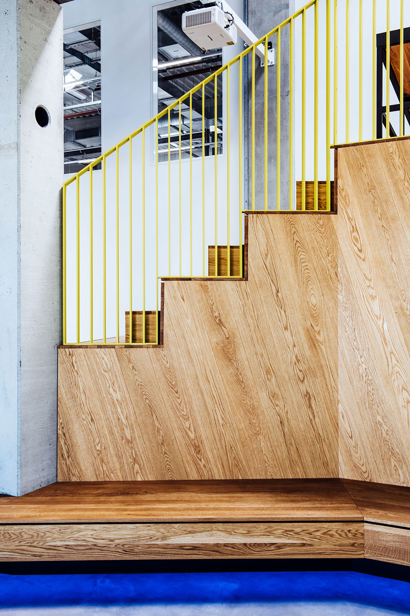 NewOrderDesignStudio_Munich_BMW_Additive_Manufacturing_Campus_detail_wood_structure_railing