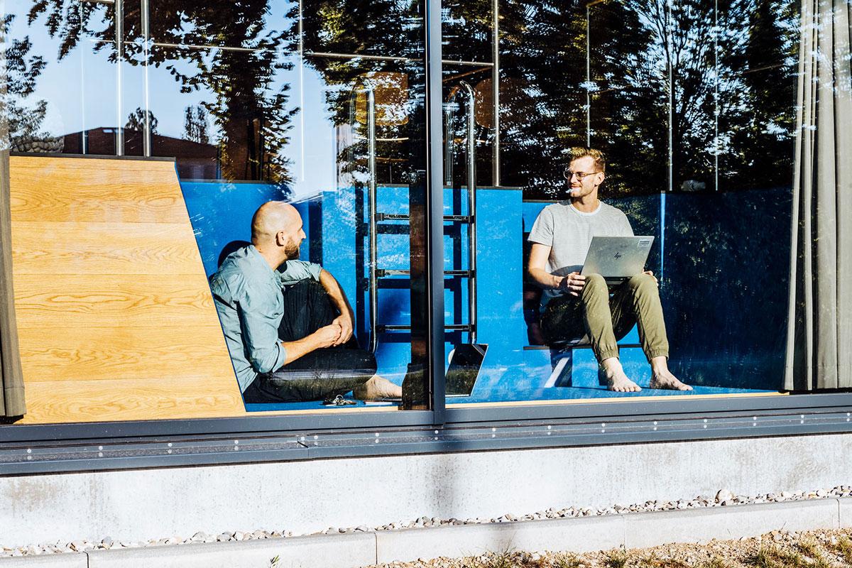 NewOrderDesignStudio_Munich_Additive_Manufacturing_Campus_pool_meeting