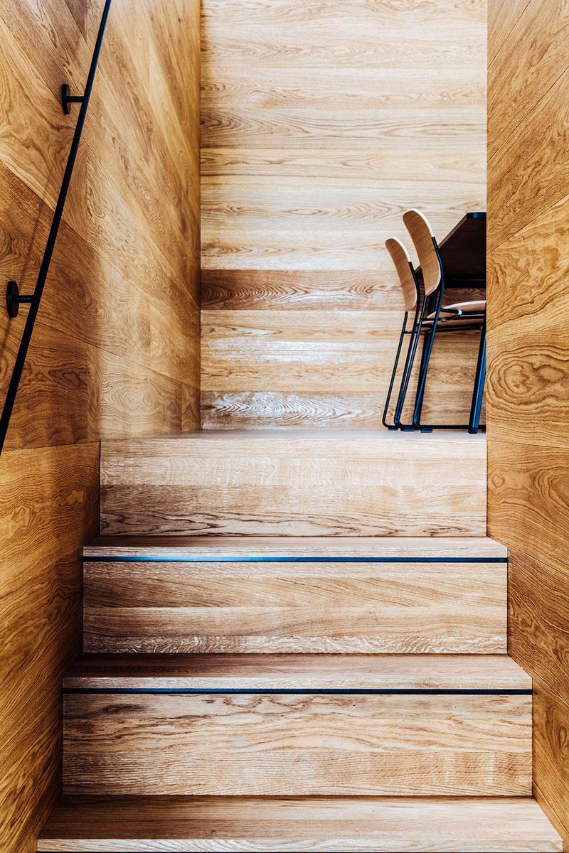 NewOrderDesignStudio_Munich_BMW_Additive_Manufacturing_Campus_detail_stairs_integrated