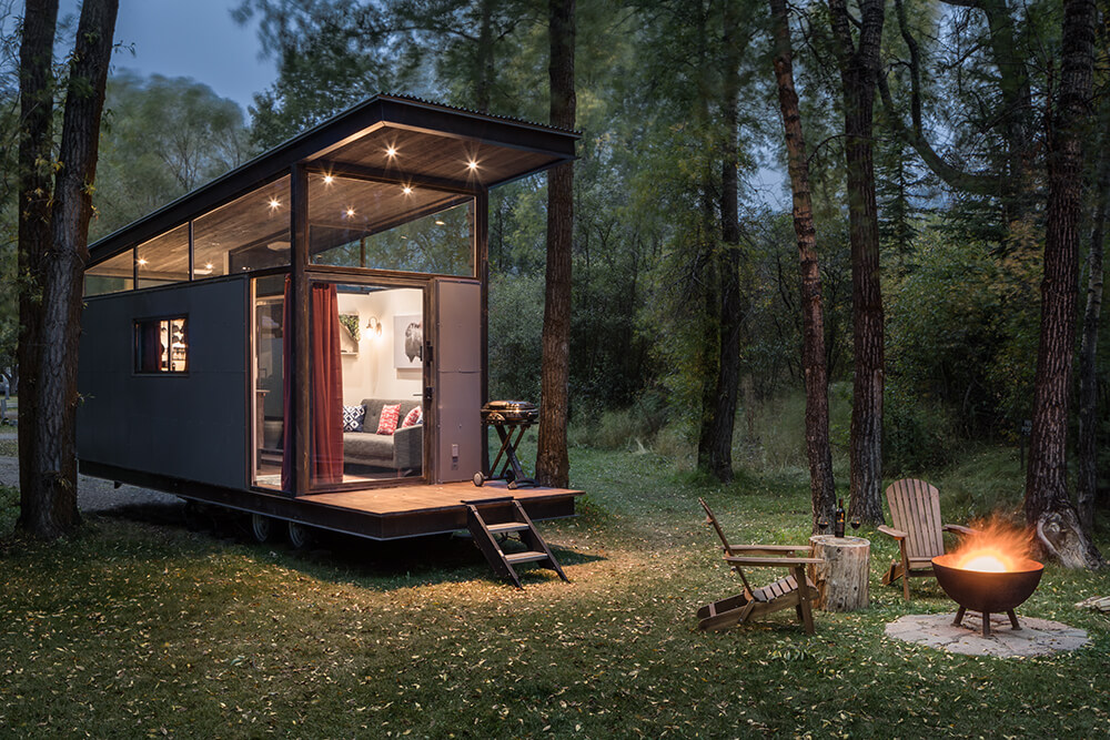 Beautiful tiny home with fire pit