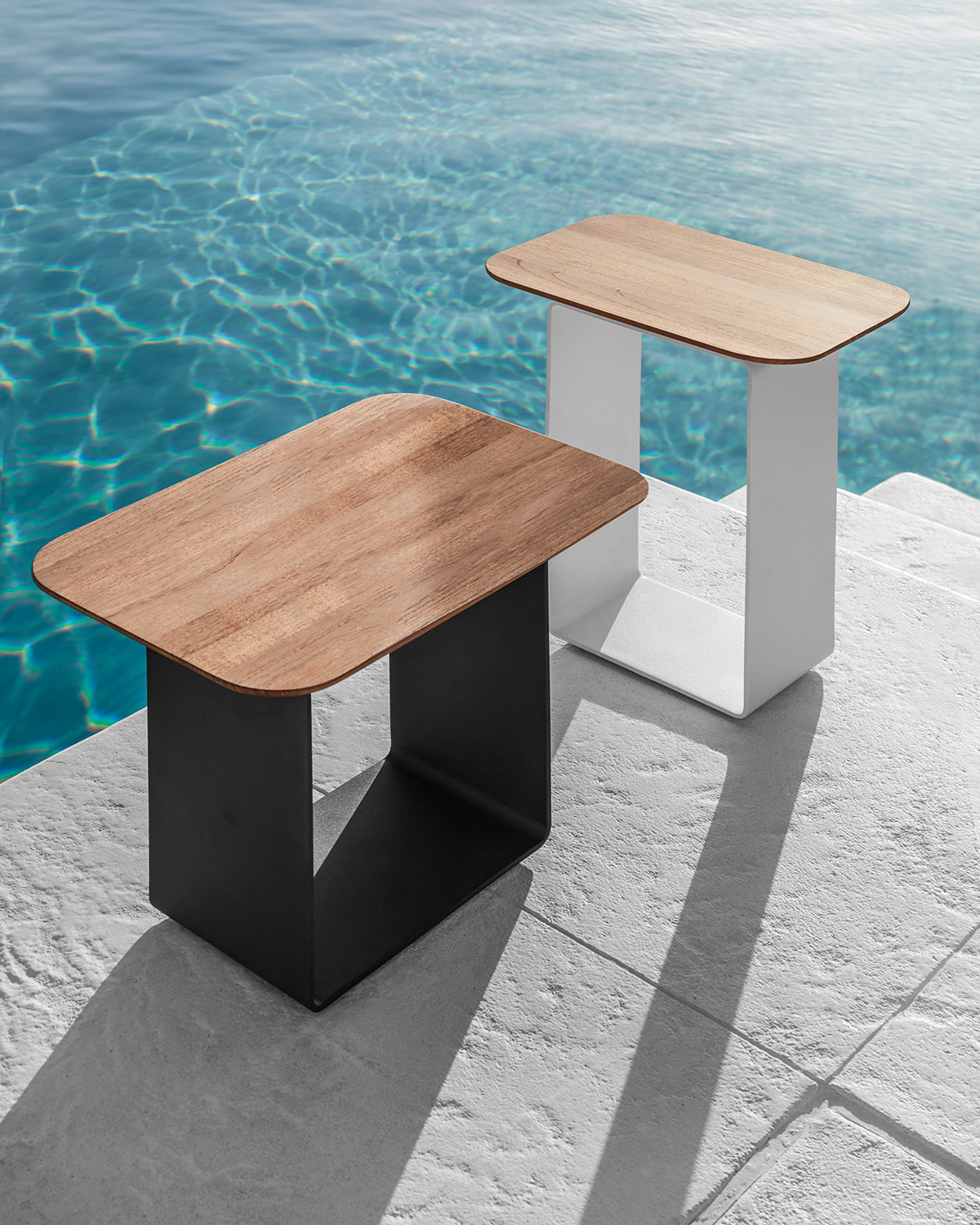 Clamp table by Gloster