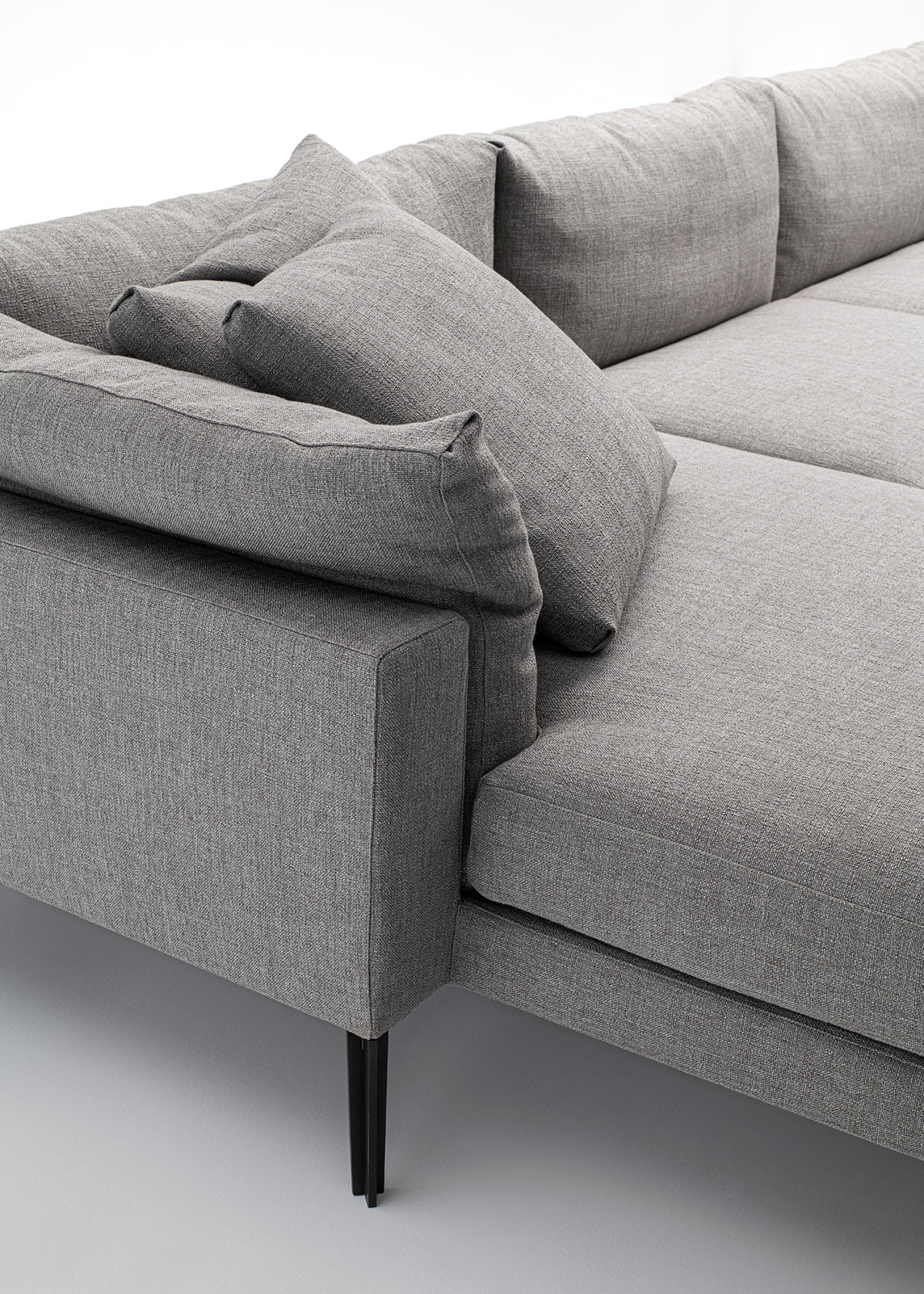 Floyd-Hi 2 sofa system in grey fabric by Living Divani