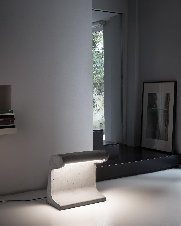 Borne Béton concrete floor lamp in modern interior