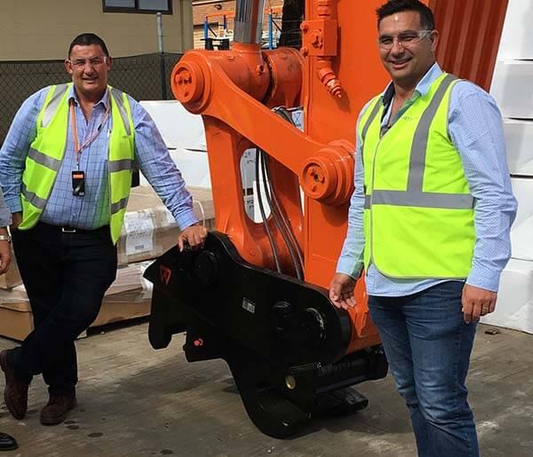Calverts Hitachi 75 tonne digger