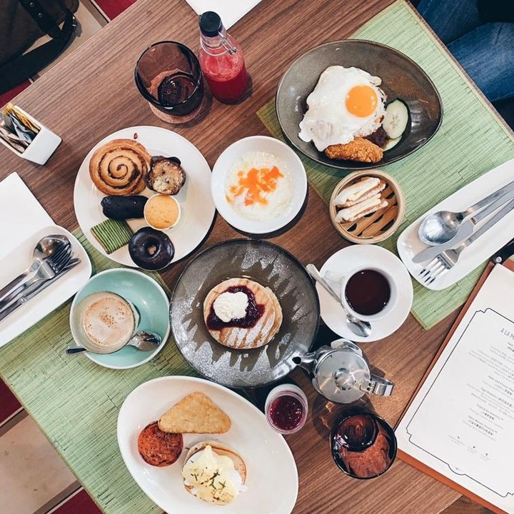 baba chews holiday inn express katong breakfast