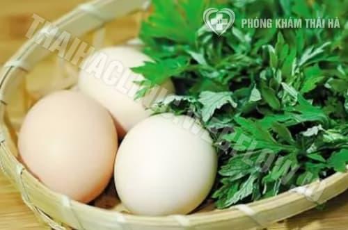Sử dụng trứng gà cùng ngải cứugiảm đau bụng kinh