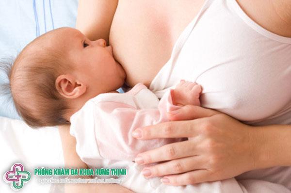 Hướng dẫn cho con bú đúng cách để sữa về nhiều?