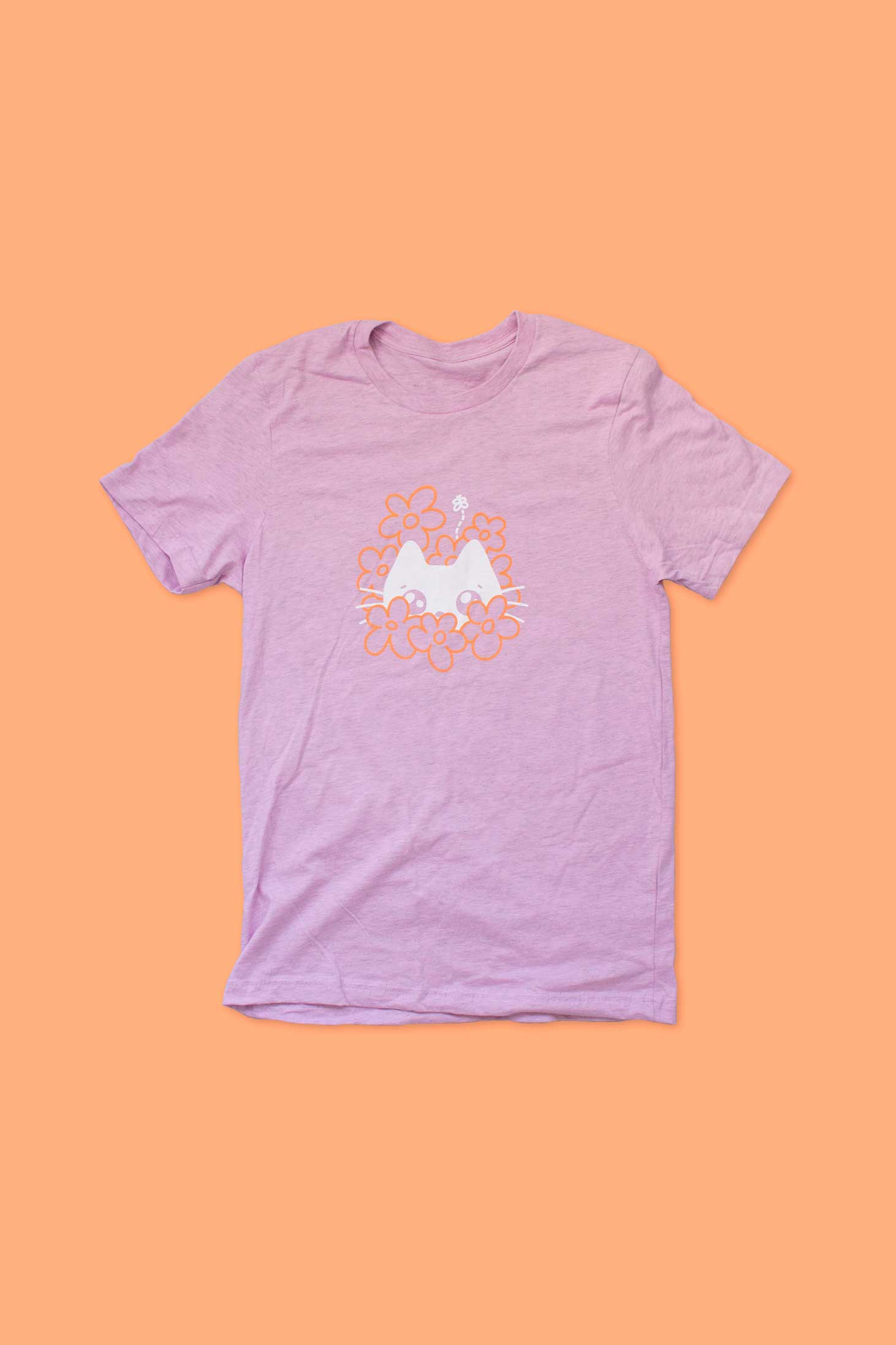 t-shirt minou dans les fleurs