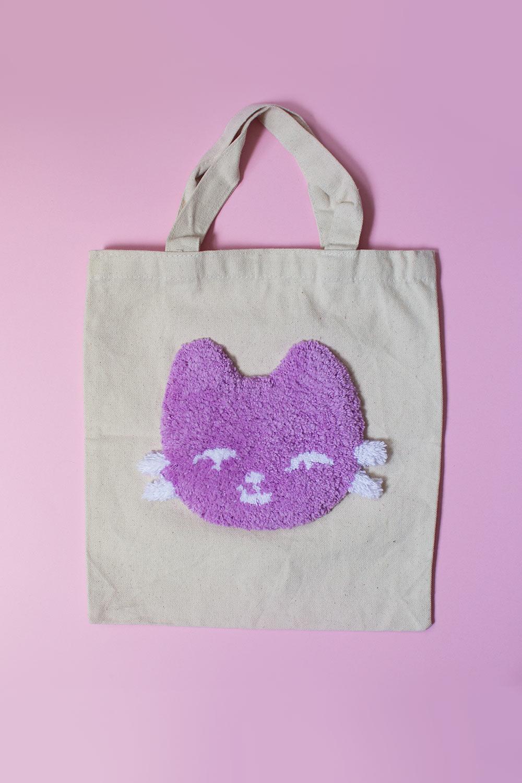 mini tote bag avec chaton touffeté