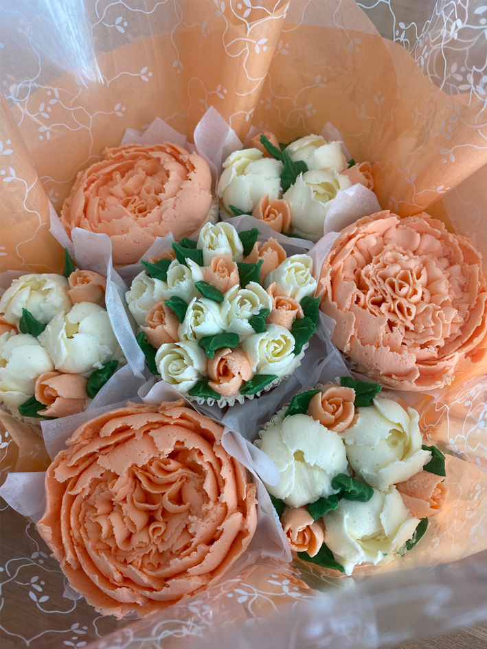 Deluxe Floral Cupcake Bouquets