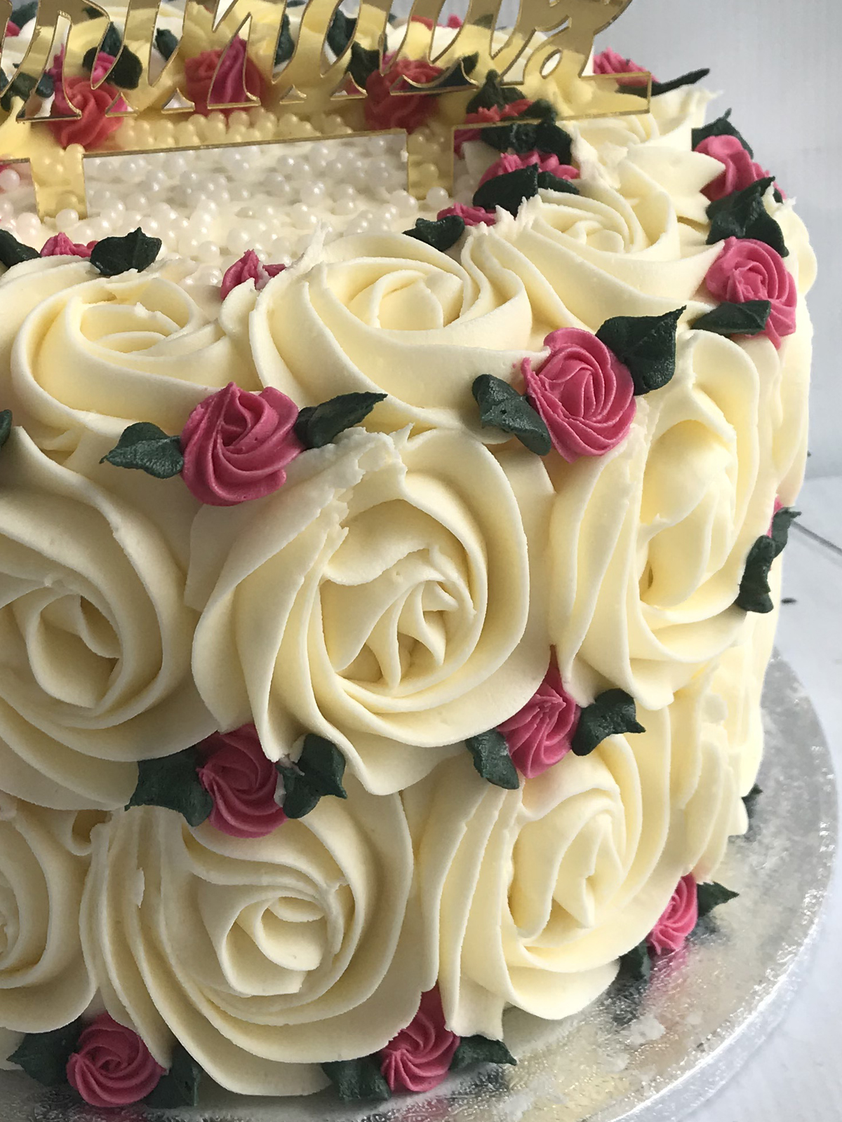 Close up picture of buttercream swirls