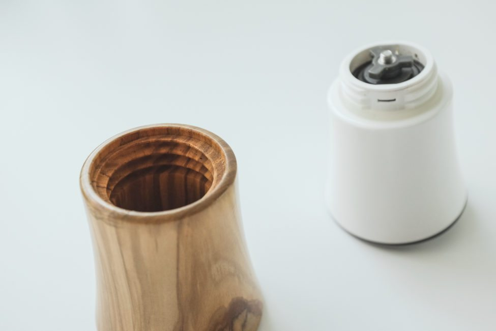 Hario ceramic and wood grinder-10