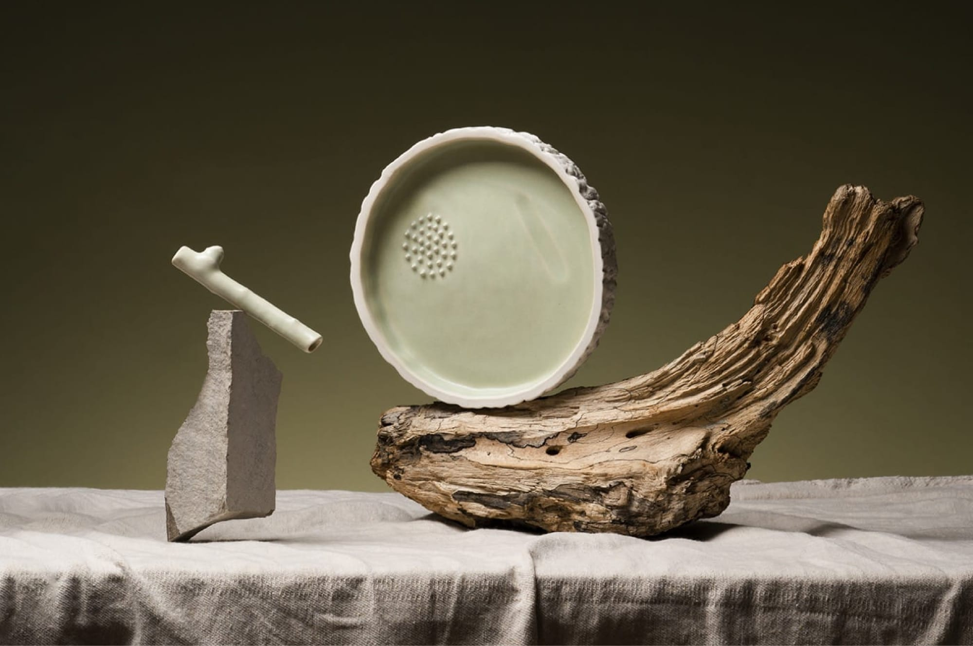 A smoking set inspired by nature