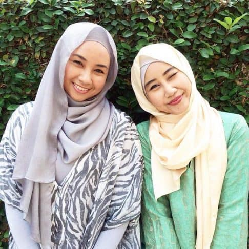 Izi and Iza Sallehuddin, co-founders of BakedKL