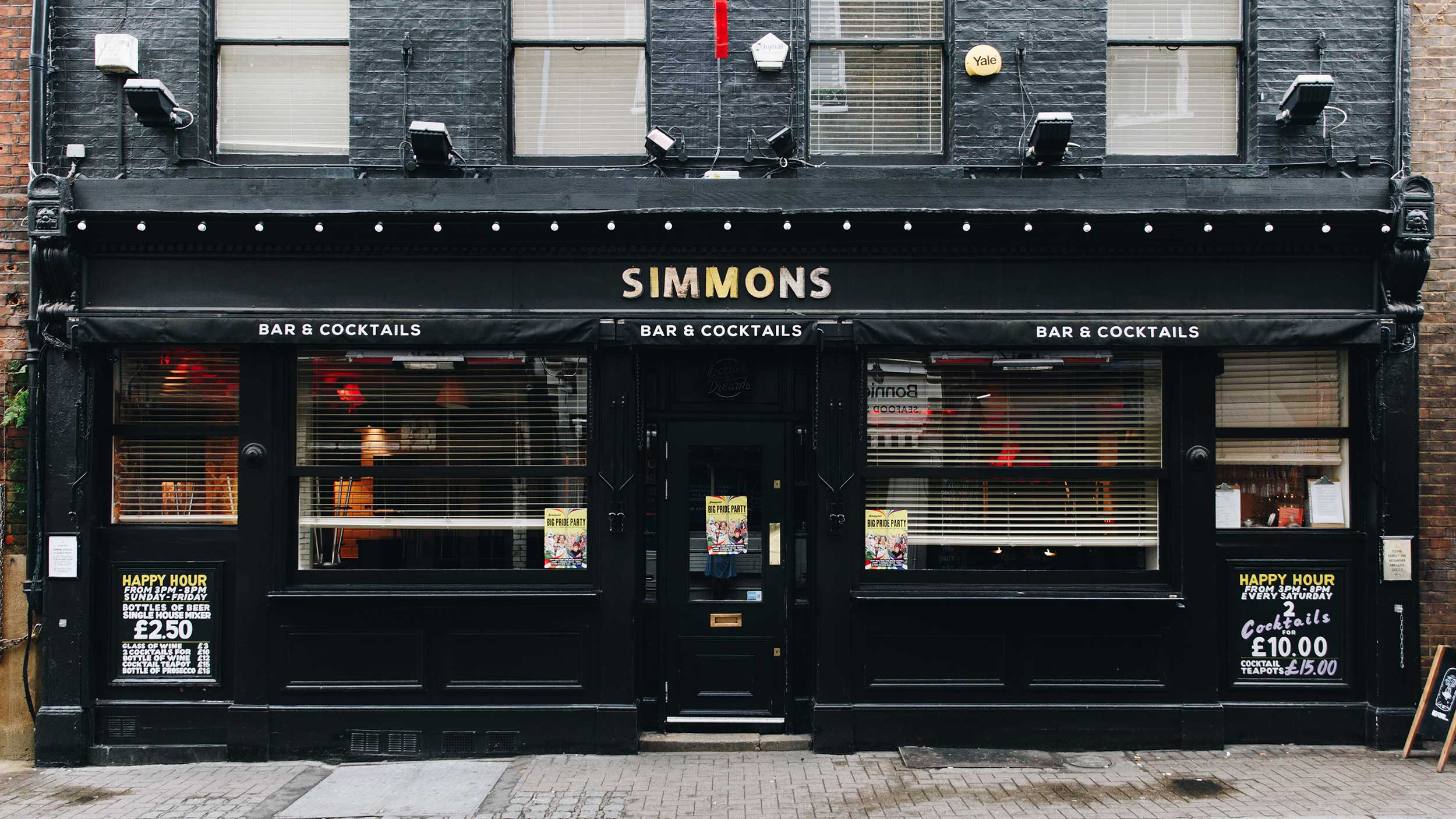 Simmons bar exterior image