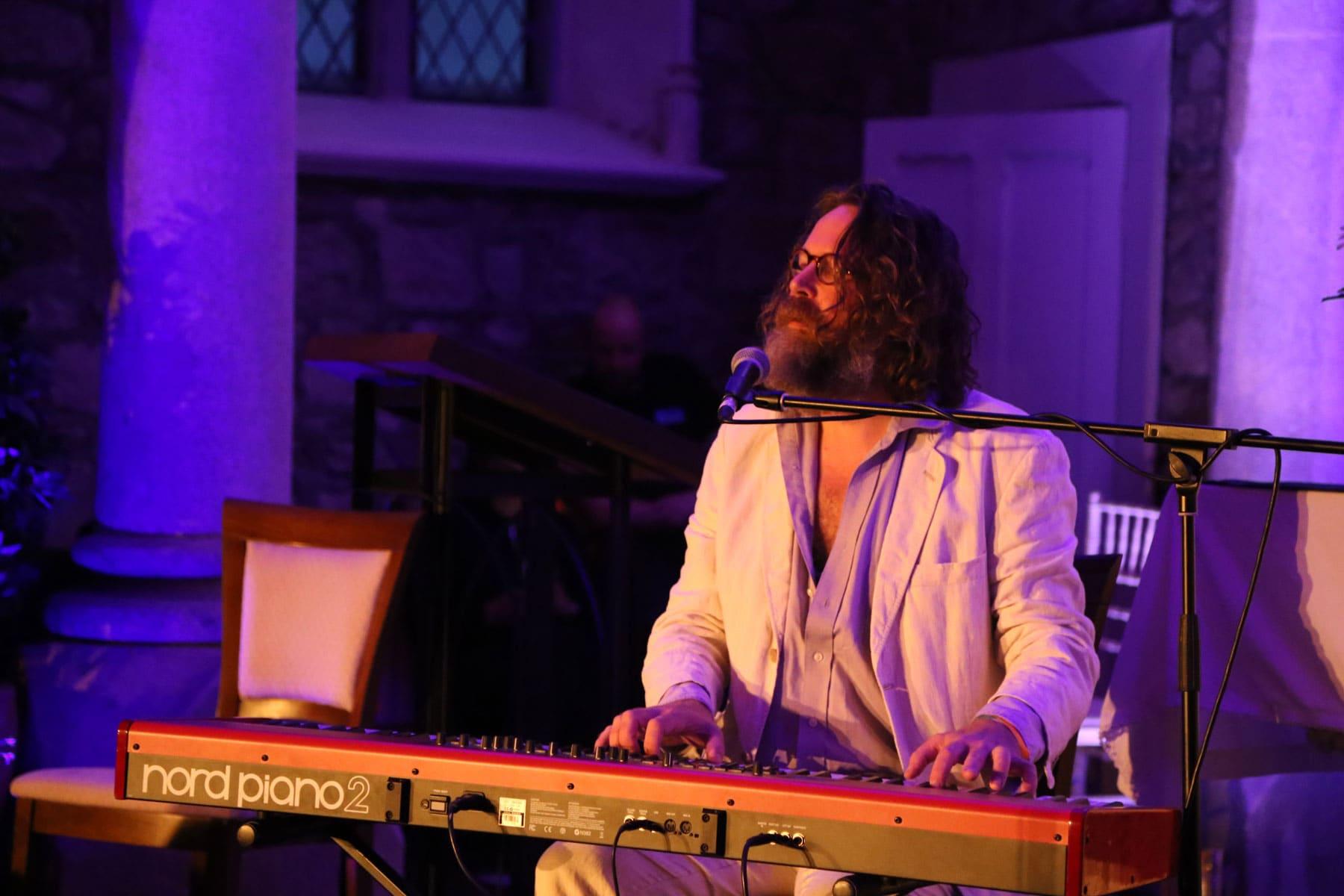 Liam O'Maonlai performs at The Shaking Bog