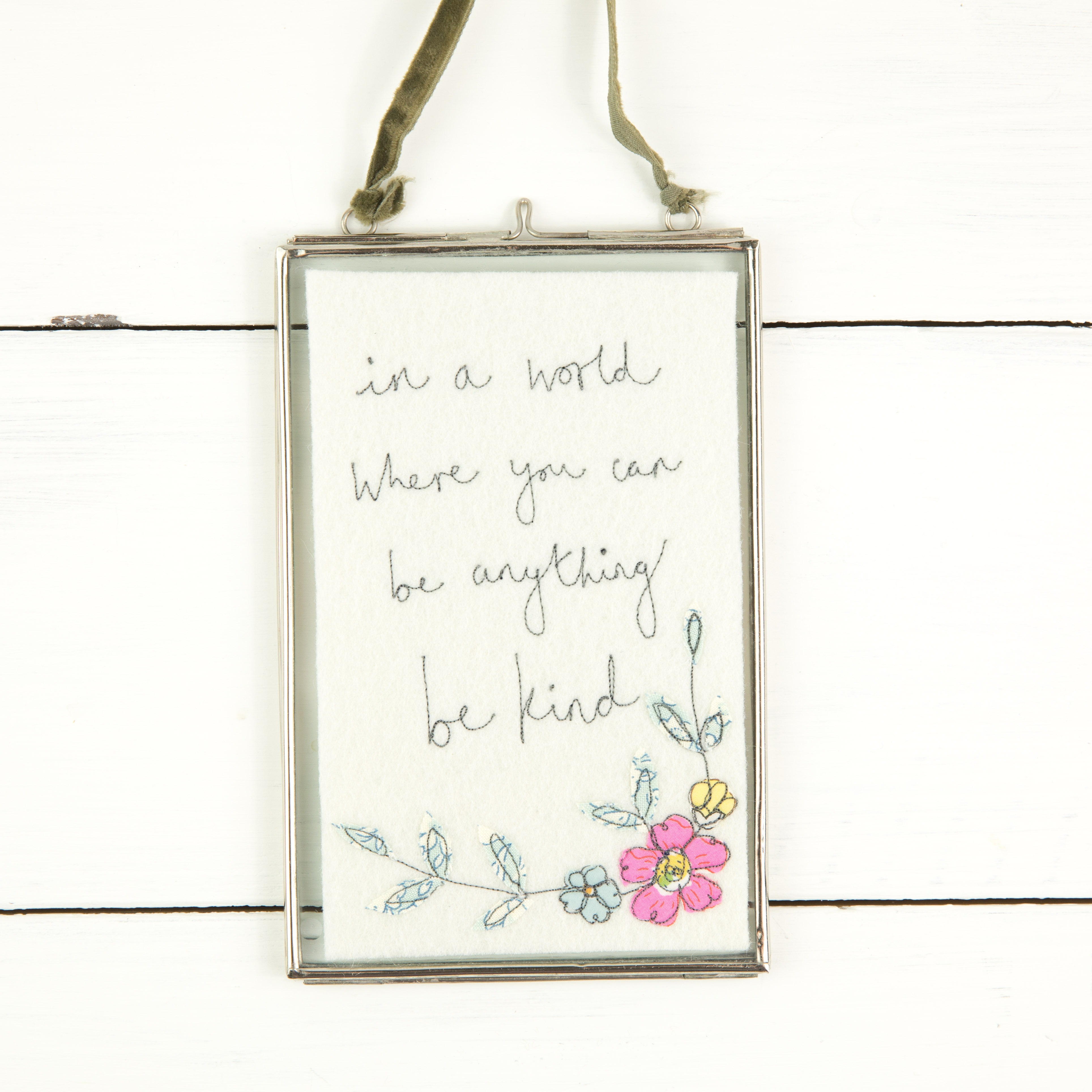 Small be kind floral framed embroidery