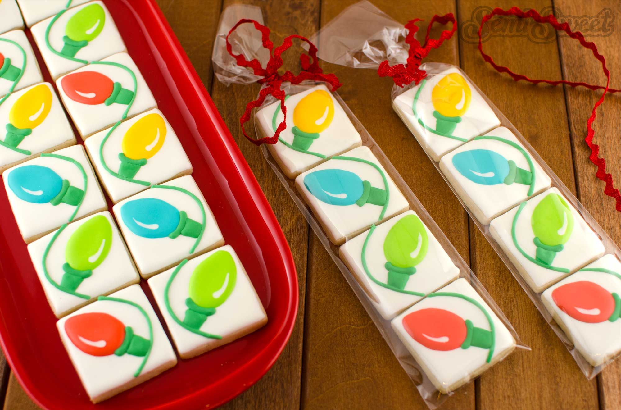 How to make connecting Christmas Light Cookies by Semi Sweet Designs