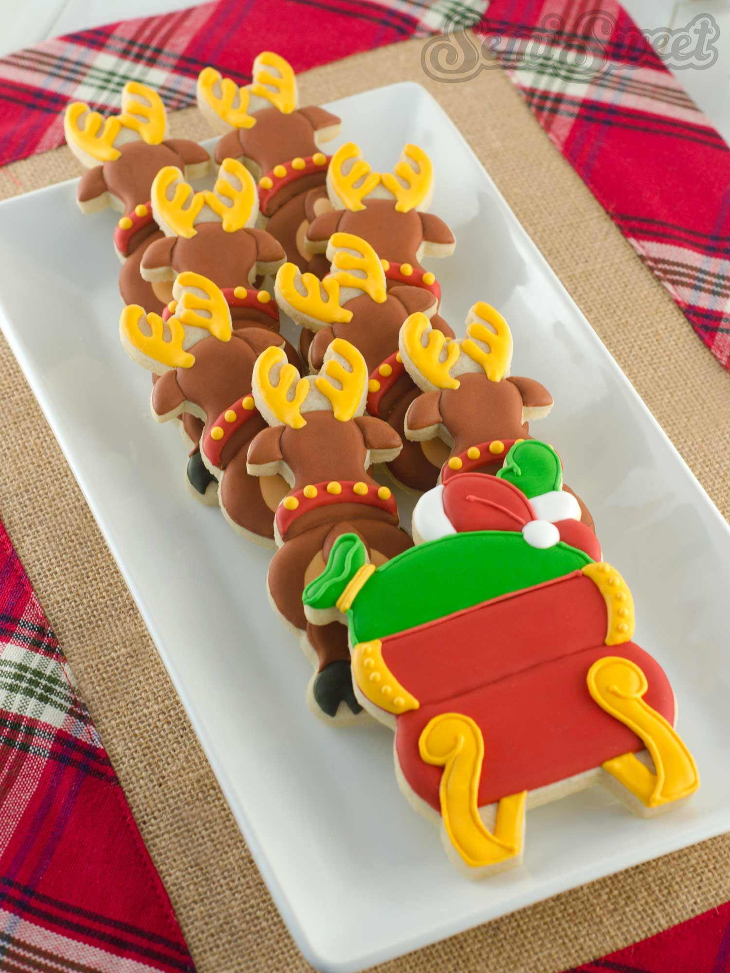 How to Make a Santa and Reindeer Cookie Platter by Semi Sweet Designs