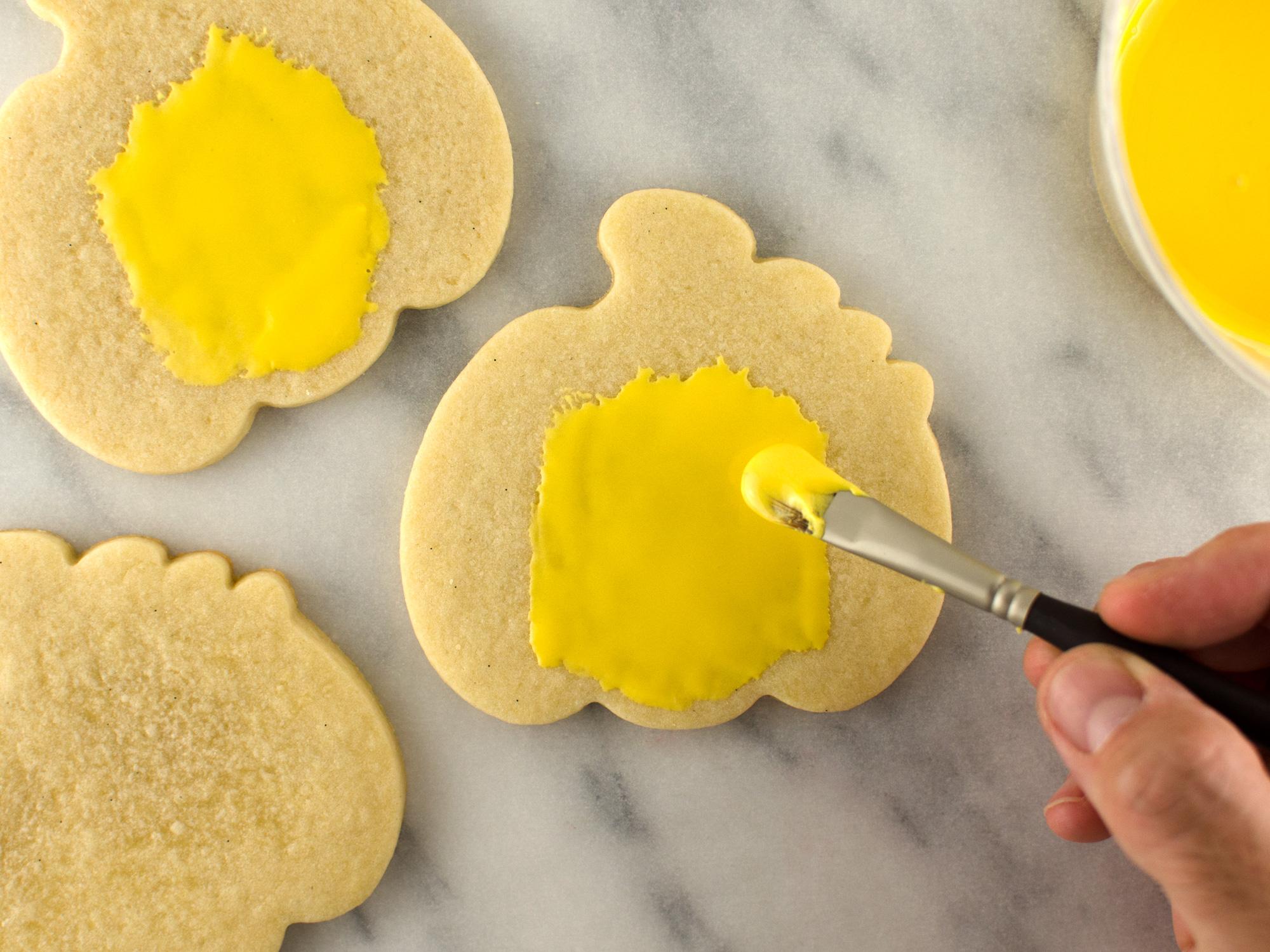 Jack o' lantern cookies step 1